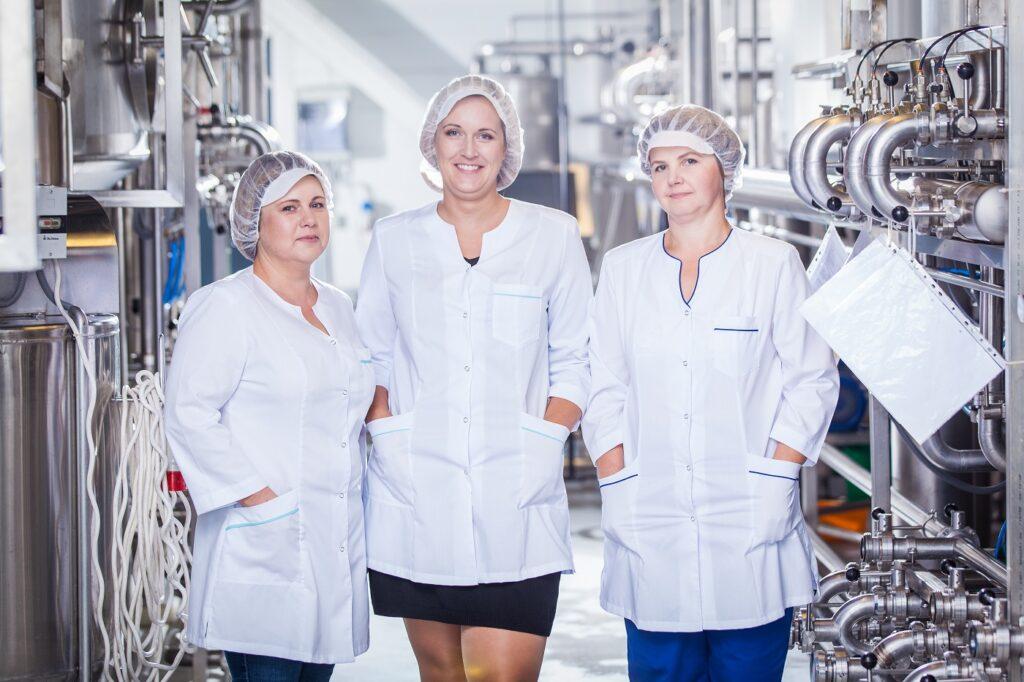 wine production team Linda Nektar